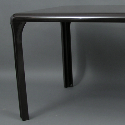 vignette Stadio dining table, Vico Magistretti, Artemide