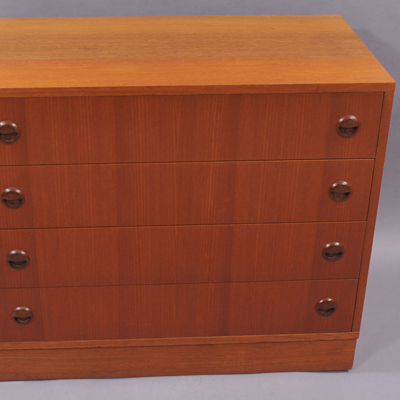 vignette Vintage nordic chest of drawers