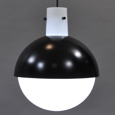 vignette Vintage black and white glass hanging lamp