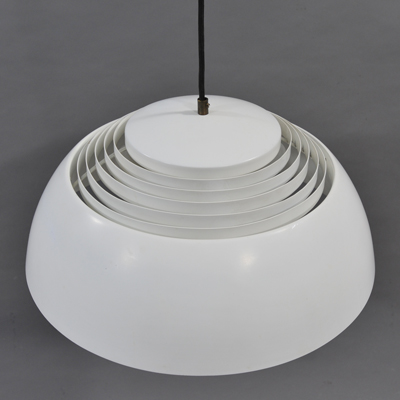 vignette AJ Royal hanging lamp Arne Jacobsen
