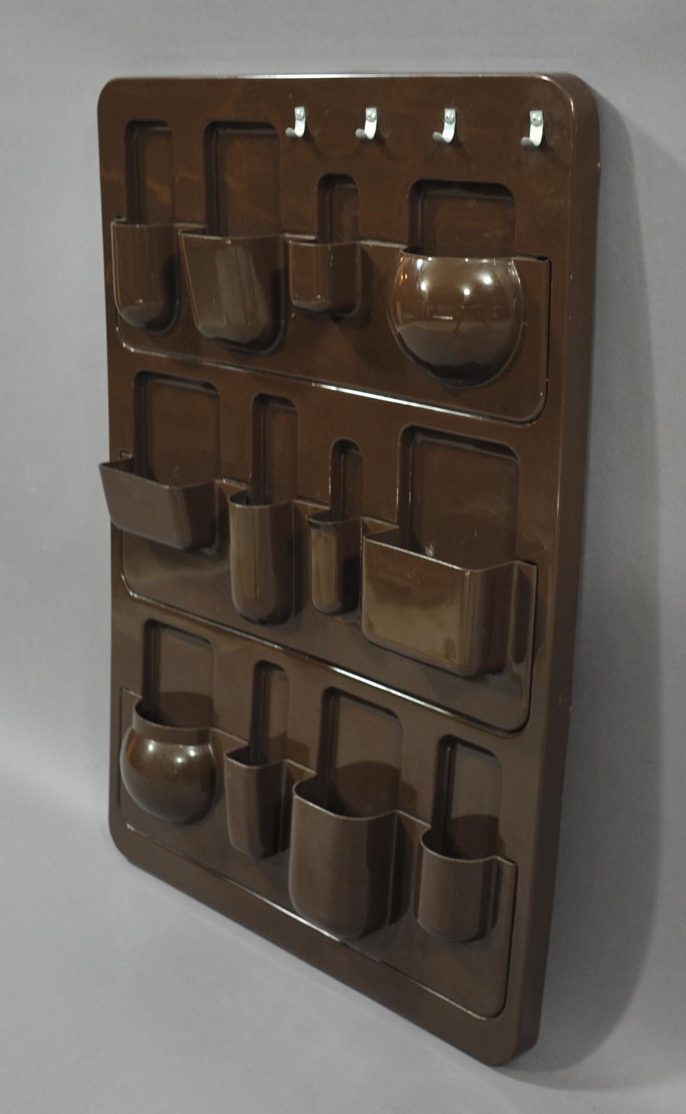Vide poches en plastique type ustensilo modulolab for Poche de rangement mural