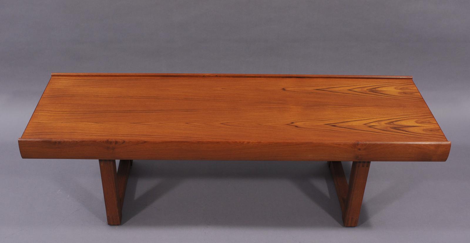 grande table basse des ann es 70 modulolab. Black Bedroom Furniture Sets. Home Design Ideas