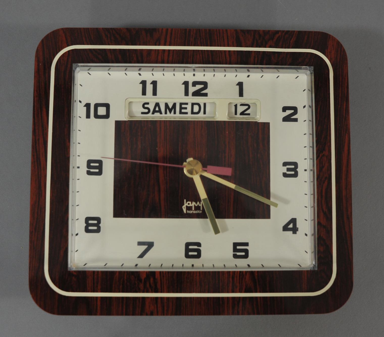 horloge en formica vintage modulolab. Black Bedroom Furniture Sets. Home Design Ideas