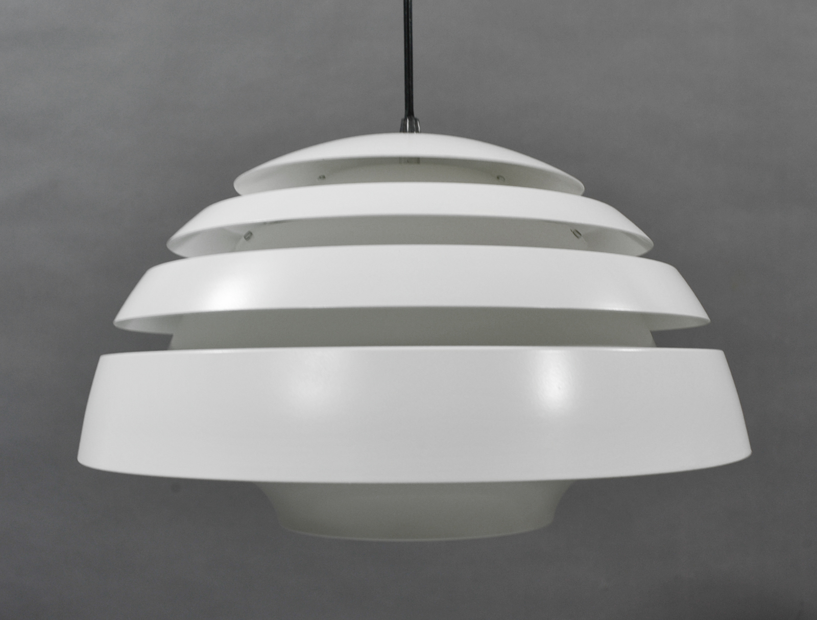 lustre scandinave type Jacobsen