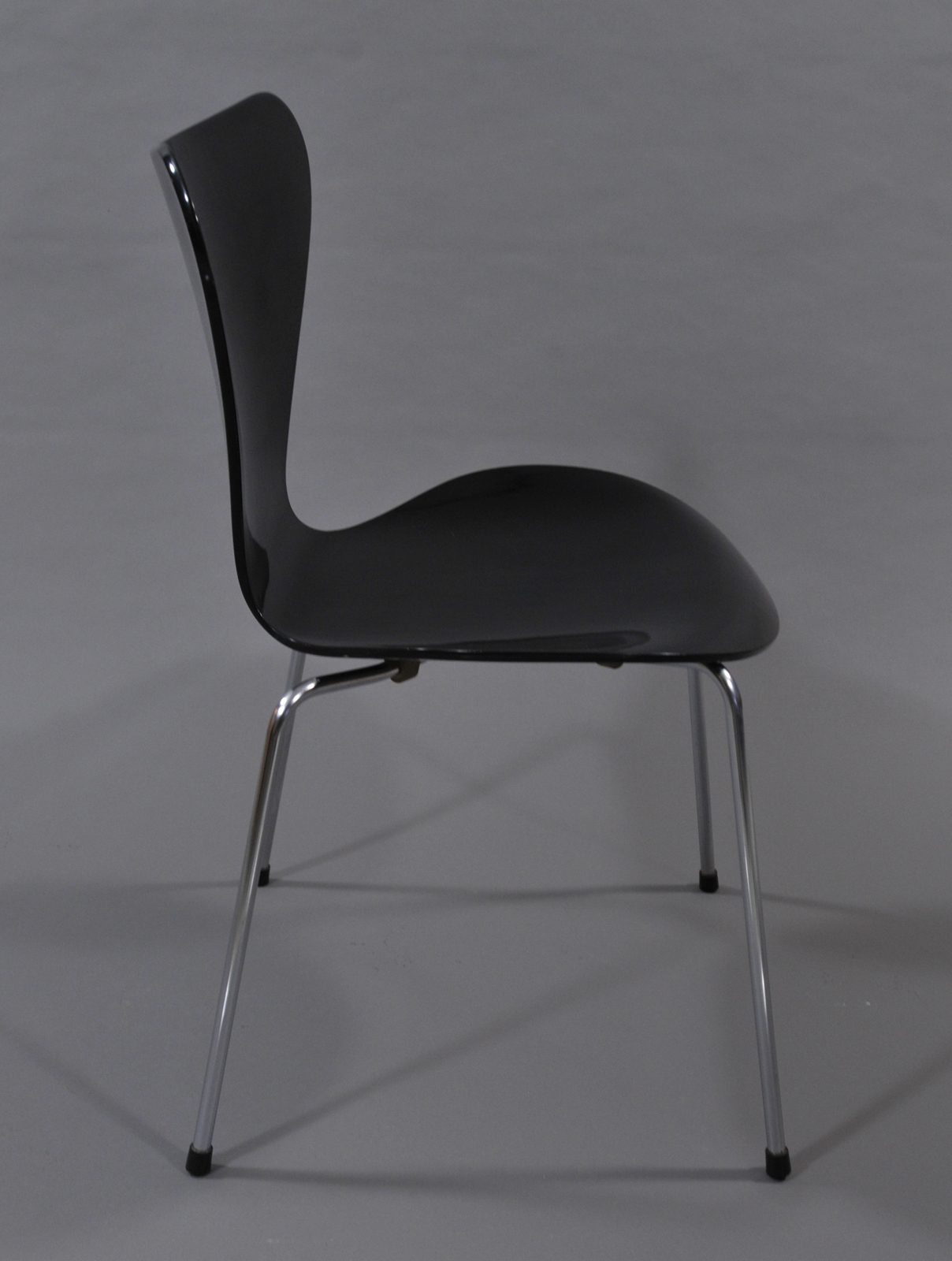 nordic chairs Moller style